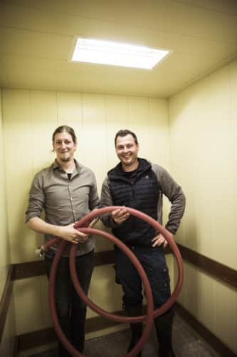 Reinhard und Manuel am Weingut